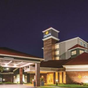 Hotels near The Venue at UCF - La Quinta Inn & Suites Orlando Ucf