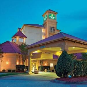 Hotels near Saint Peter's Church and World Outreach Center - La Quinta Inn & Suites Winston-Salem