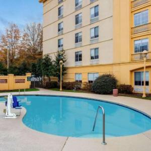 Hotels near Hillside High School Durham - La Quinta Inn & Suites Durham Research Triangle Park