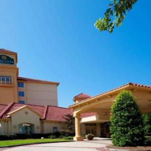 Westover Church Greensboro Hotels - La Quinta Inn & Suites Greensboro