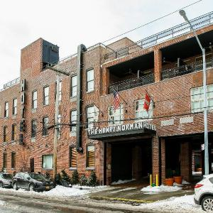 Warsaw Brooklyn Hotels - Henry Norman Hotel