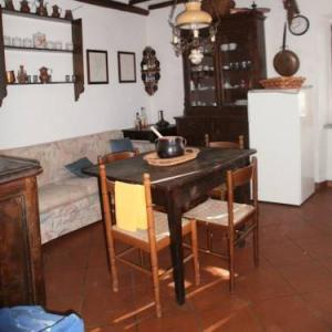 Book Now Large Apartment In The Woods Of Tuscany (Pescaglia, Italy). Rooms Available for all budgets. Featuring a panoramic terrace and surrounded by the Tuscan woods Large Apartment In The Woods Of Tuscany is an apartment with wood-beamed ceilings. Located 2.3 km from the cen