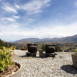 Hotels near Gibbston Valley Winery - Creagh Cottage