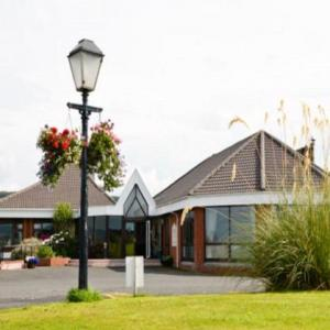 Turnberry Golf Club Hotels - Malin Court Hotel and Restaurant
