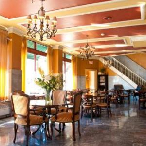 Hotels near Crouse Hinds Theater - Historic Jefferson Clinton Suites