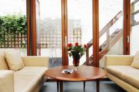 Chelsea Garden Apartment Image