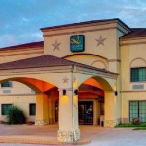 Quality Inn & Suites - Glen Rose