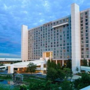 Renaissance Schaumburg Convention Center Hotel