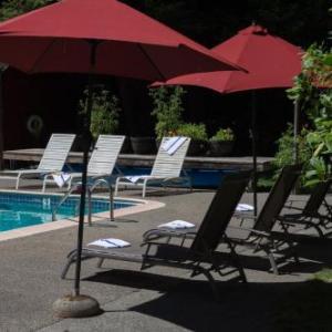 Hotels near Armstrong Redwoods Visitor Center - Creekside Inn & Resort
