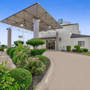 Motel 6-Denison TX