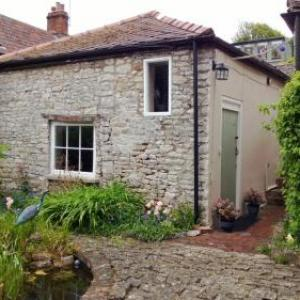 Wells Cathedral Hotels - Longbridge Cottage