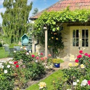 Hotels near Cotswold Airport Cirencester - Le Jardin