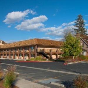 MontBleu Amphitheater Stateline Hotels - Carson Valley Motor Lodge