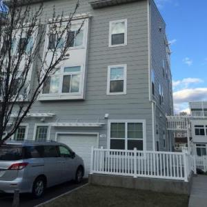 Queens Ocean Front Vacation Guesthouse NY, 11692