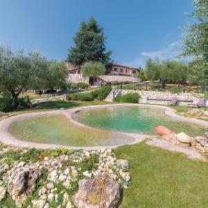 Book Now Holiday Home Colle Val d' Elsa SI 04 (Bibbiano, Italy). Rooms Available for all budgets. Boasting an outdoor pool Holiday Home Colle Val d' Elsa SI 04 is a holiday home set in Bibbiano. The unit is 39 km from Florence. Free WiFi is provided throughout the property