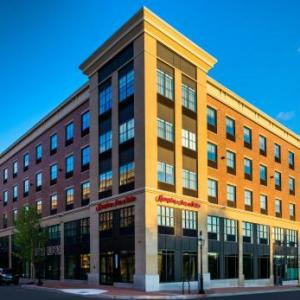 Hotels near Portsmouth Music Hall - Hampton Inn & Suites Portsmouth Downtown