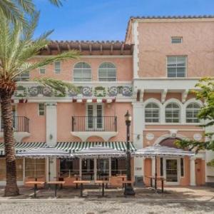 El Paseo Hotel