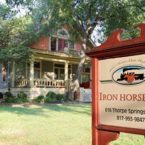 Twisted J Live Hotels - Iron Horse Inn