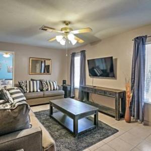 Book Now Vacation Home in Las Vegas (Las Vegas, United States). Rooms Available for all budgets. Vacation Home in Las Vegas offers accommodation in Las Vegas. Guests benefit from terrace. Free WiFi is available throughout the property.The kitchen comes with a dishwasher a