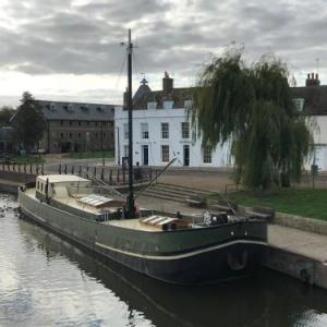 Ely Cathedral Hotels - Hotel Barge Waternimf