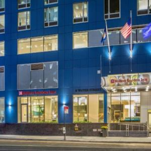 Brooklyn Bridge Park Hotels - Hilton Garden Inn NYC Financial Center/Manhattan Downtown
