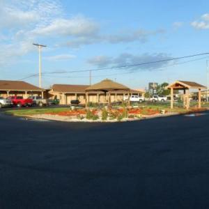 Hotels near Cheyenne Frontier Days - Sands Motel