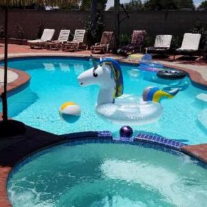 House With Pool Near Disneyland