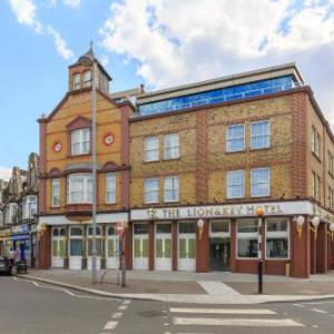 Hotels near Matchroom Stadium London - The Lion & Key Hotel