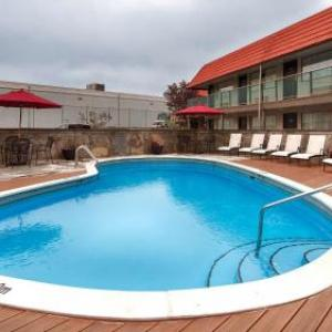 Hotels near Deer Lake Park - Best Western Plus Burnaby Hotel