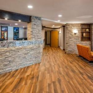 Hotels near Cascades Casino - Best Western Plus Country Meadows Inn