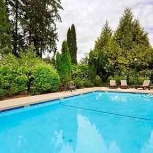 Hotels near Cowichan Performing Arts Centre - Best Western Cowichan Valley Inn