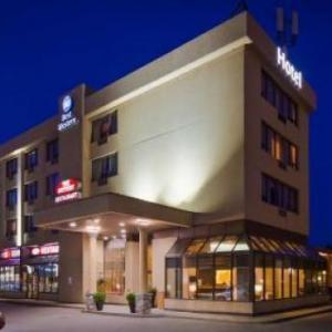 Hotels near Mansion Night Club Barrie - Best Western Voyageur Place Hotel