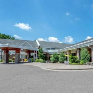 Hotels near Bramalea City Centre - Best Western Plus Brampton