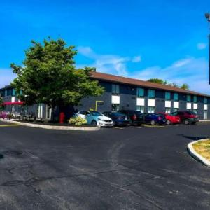 Hotels near Belleville & District Fish & Game Club - Comfort Inn Belleville