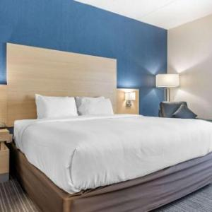 Quality Inn & Suites Oakville