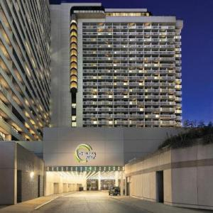 Hotels near Mattamy Athletic Centre - Chelsea Hotel Toronto