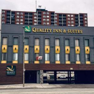 Danny's of Windsor Hotels - Quality Inn & Suites Windsor