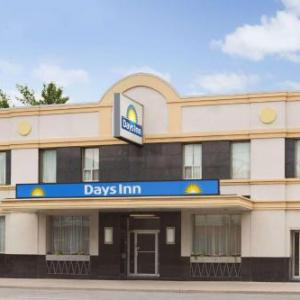 Hotels near Centre of Gravity Toronto East Location - Days Inn Toronto East Beaches