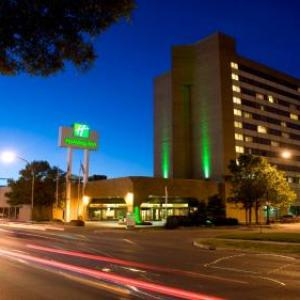 Investors Group Field Hotels - Holiday Inn Winnipeg-South