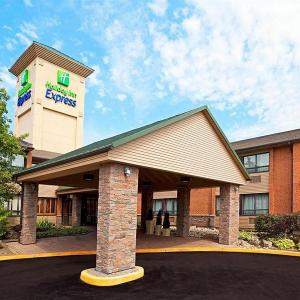 Hotels near Global Kingdom Ministries - Holiday Inn Express Toronto East