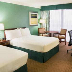 Downsview Park Hotels - Holiday Inn Yorkdale