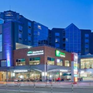 Grand Villa Casino Hotels - Holiday Inn Express Vancouver-Metrotown (Burnaby)