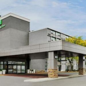 Hotels near Flamboro Downs - Holiday Inn Burlington Hotel & Conference Centre