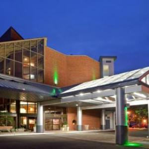 Oakville Centre for the Performing Arts Hotels - Holiday Inn Oakville Centre