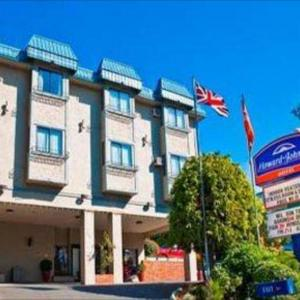 Esquimalt Gorge Park Hotels - Howard Johnson Hotel Victoria
