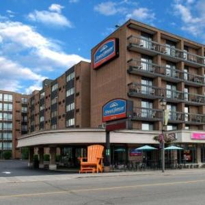Niagara Falls Memorial Arena Hotels - Howard Johnson Hotel By The Falls Niagara Falls