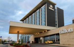 Hilton Toronto Airport Hotel - Suites