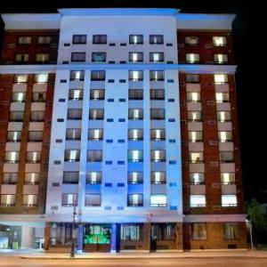 Budweiser Gardens Hotels - Holiday Inn Express Hotel & Suites London Downtown