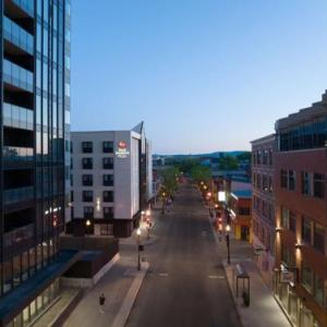 Centre d'art La Chapelle Hotels - Best Western Plus Centre-ville/City Centre Québec