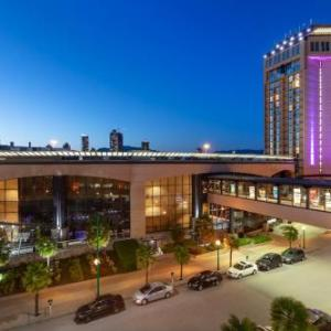 Hotels near Grand Villa Casino - Delta Hotels by Marriott Burnaby Conference Centre